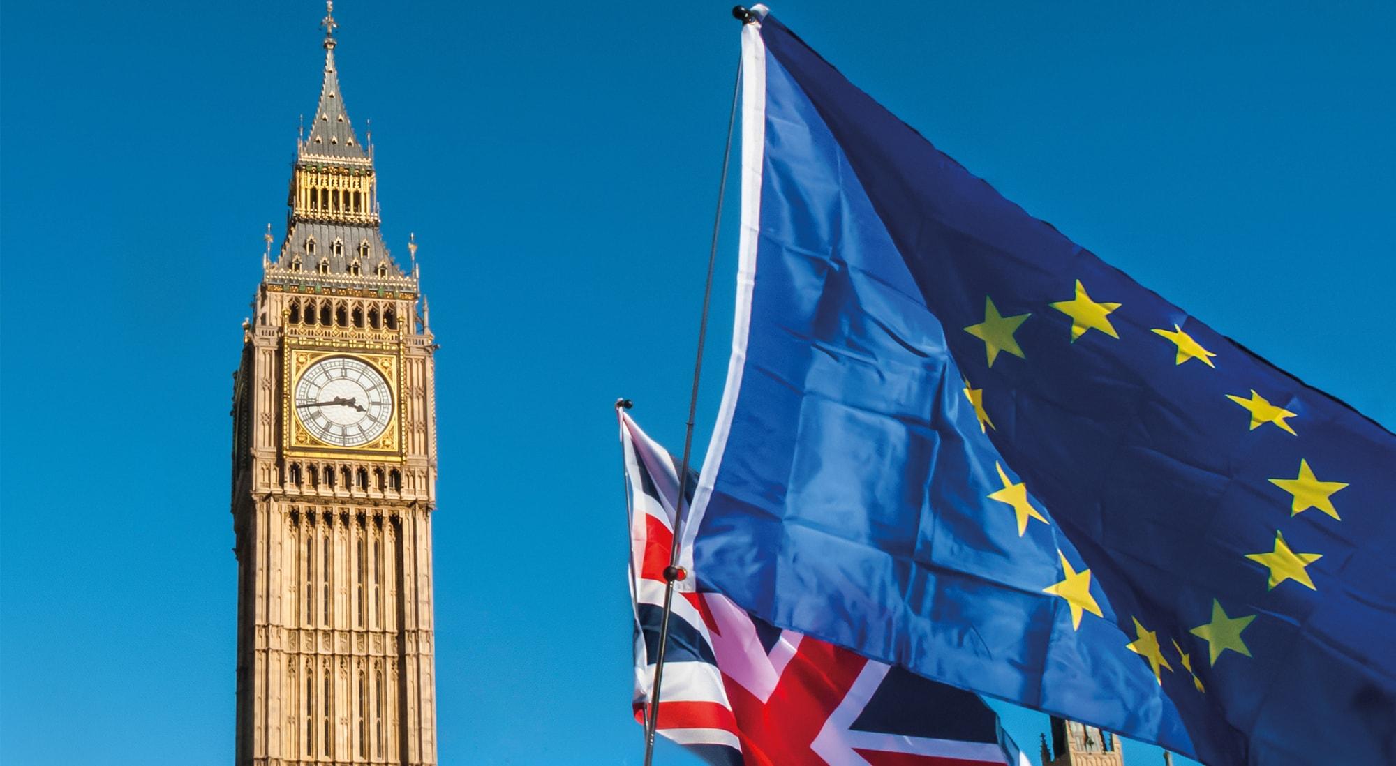 links-Big-Ben-rechts-Flagge-der-EU-und-von-GB